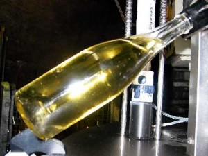 The dosing of sparkling-wine.